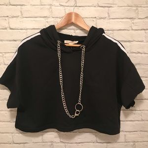 Tops - Cropped Short Sleeve Hooded Top